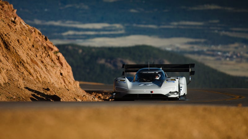 Illustration for article titled Hell Yeah Volkswagen is Taking Its Electric I.D. R to Break Records at the Nurburgring