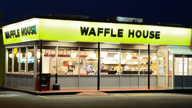 Illustration for article titled Pantsless man crashes through Waffle House ceiling in botched robbery