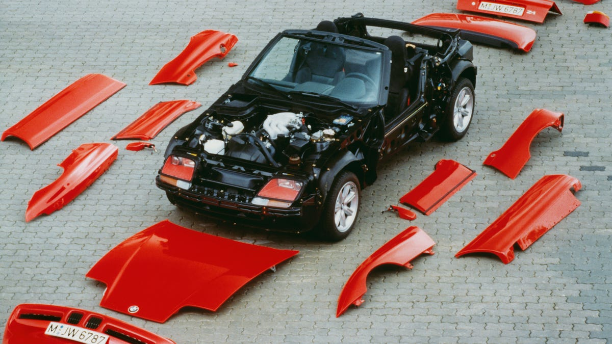 The BMW Z1 Was the Car of a Future We Didn't Deserve