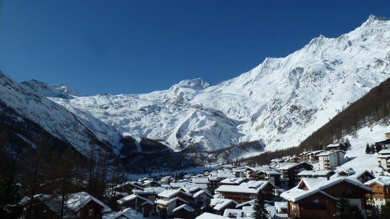Illustration for article titled 10 Things You Need To Know Before Buying Your Own Property In Saas Fee