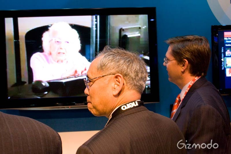 Illustration for article titled FCC Chairman Watches Grandma Parody the Digital Transition, Mouth Agape