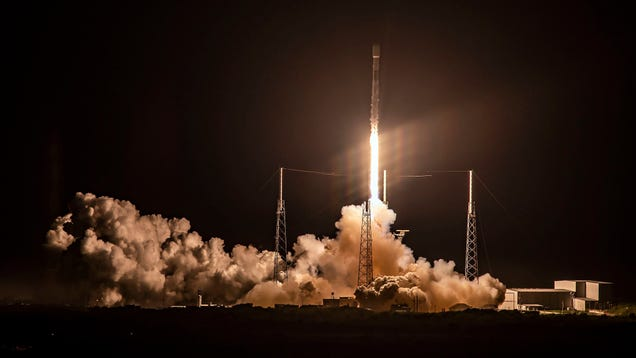SpaceX's Starlink Broadband Service Might Be Too Slow for the FCC