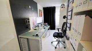 todays featured workspace is black white and bold all over belonging to graphic designer anthony sejourne the office sports a minimalist theme that