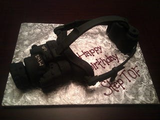 Illustration for article titled Night Vision Cake Makes For A Prestigious Birthday