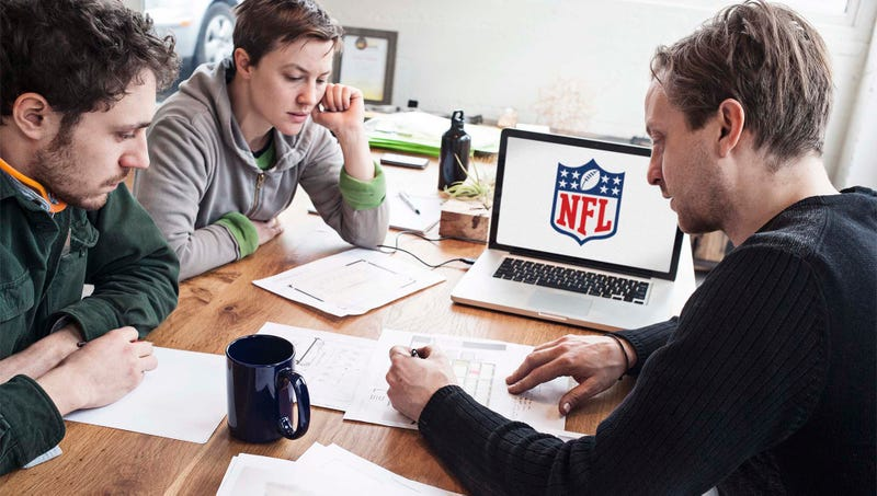 Illustration for article titled Tips For Hosting A Fantasy Football Draft