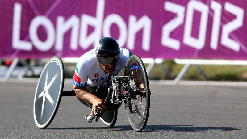 Illustration for article titled This Race Car Driver Went From Near Death To Paralympic Gold