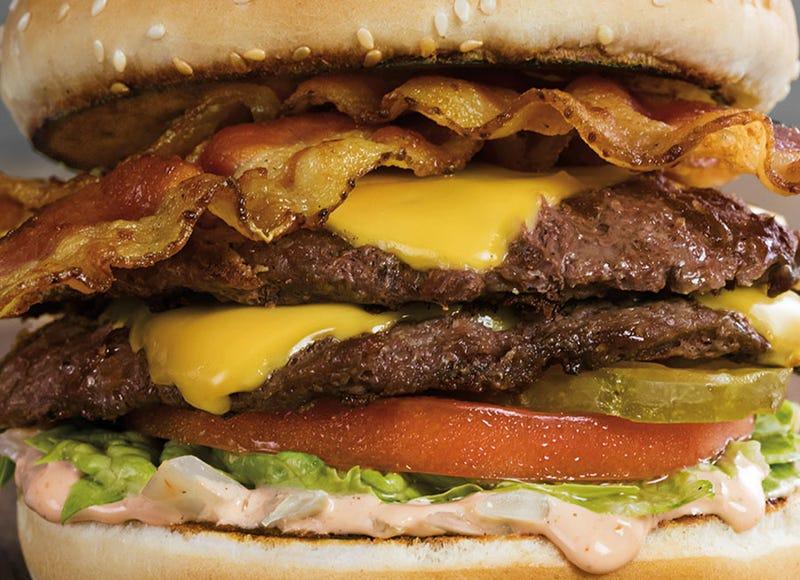 The Bacon Boy es una de las hamburguesas registradas de Farmer Boys que incorporan bacon