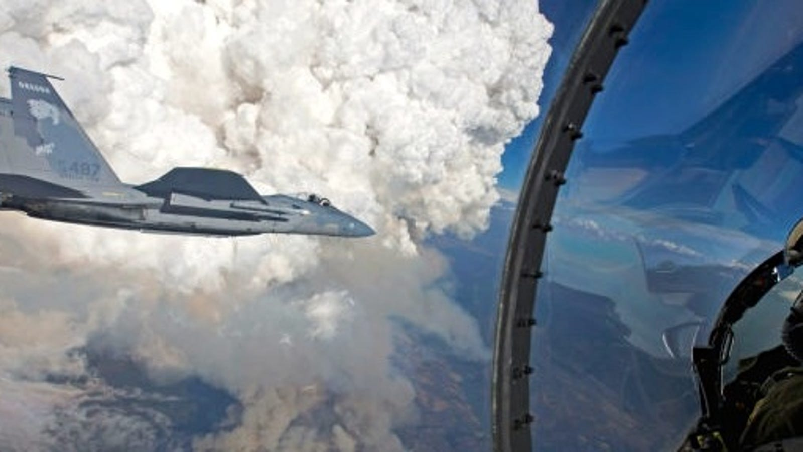 These Photos Of F15s Flying Near Towering Forest Fires Are Totally Nuts