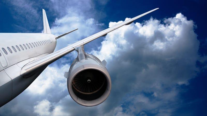 ¿Qué dice la tripulación a los pasajeros cuando un avión se va a pique?