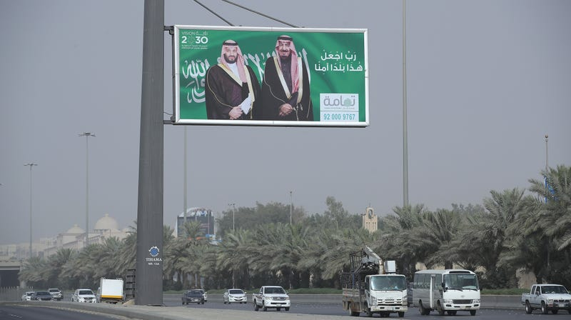 Twitter Bans Saudi Official Implicated in Khashoggi Murder, Hundreds of Other Pro-Saudi Accounts