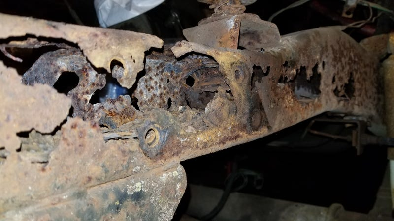 Illustration for article titled My $500 Postal Jeep's Rusted-Out Frame Will Give You Nightmares