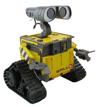 Illustration for article titled Ultimate Wall-E Robot Being Brought to Life by Disney, Thinkway Toys