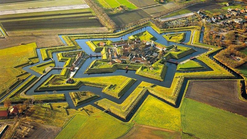 Illustration for article titled Középkori holland városok, ahogyan még sosem láttad őket