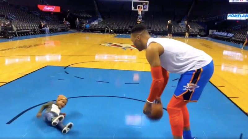 Illustration for article titled Russell Westbrook's Unsteady Son Is A Very Good Sports Baby