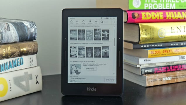 Amazon Warns That Older Kindles May Start Losing Cellular Service Later This Year