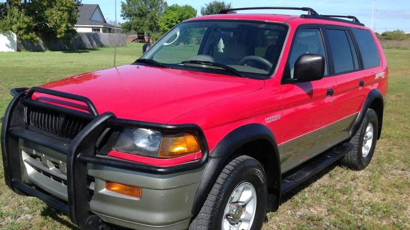 Illustration for article titled At $4,995, Would You Give This 1998 Mitsubishi Montero Sport A Sporting Chance?