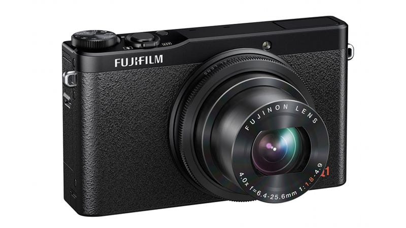 Illustration for article titled Fujifilm XQ1: Fuji's New Tiny Cam Packs Tons of Power in Your Pocket