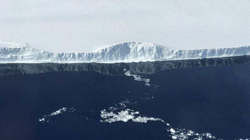 photo image NASA Captures Stunning Close-Up Photos of Antarctica's Massive Iceberg