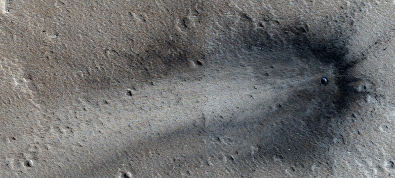 Illustration for article titled This Is a Fresh Scar on Mars's Surface