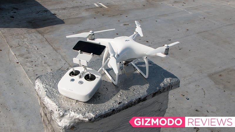 Illustration for article titled El nuevo DJI Phantom 4 es uno de los mejores drones que jamás he volado, y estrellado