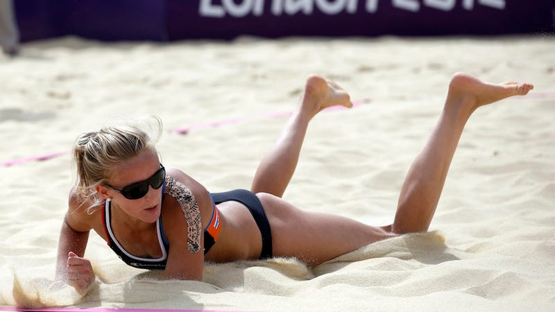 Illustration for article titled The Olympics Uses Special Sand That Doesn't Stick to Beach Volleyball Players—Could They Ever Use Synthetic Sand?