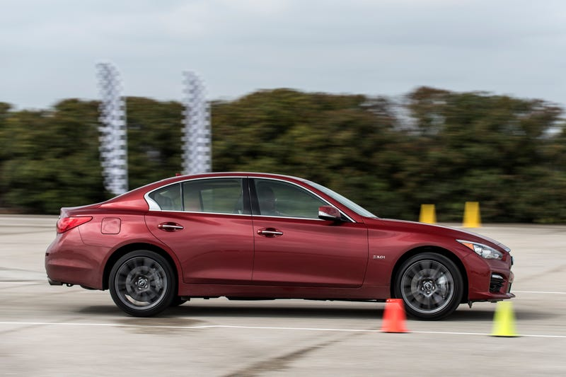 the 2016 infiniti q50 proves two turbos and 400 hp make everything better. Black Bedroom Furniture Sets. Home Design Ideas