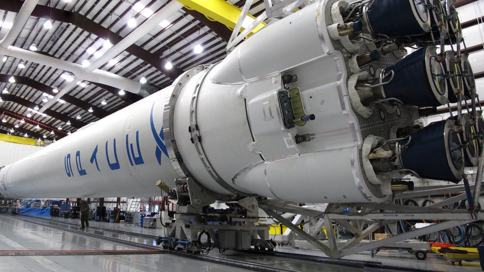 Por qué es imposible utilizar cohetes eléctricos, según Elon Musk