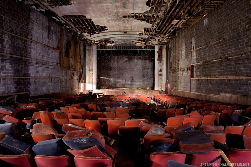 Illustration for article titled The show will never go on again — the most resplendent abandoned theaters across America