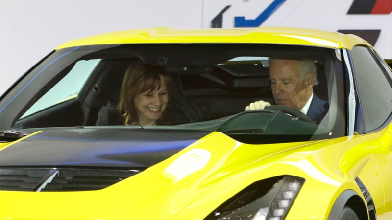 Illustration for article titled VP Joe Biden Being Ridiculous At The Detroit Auto Show