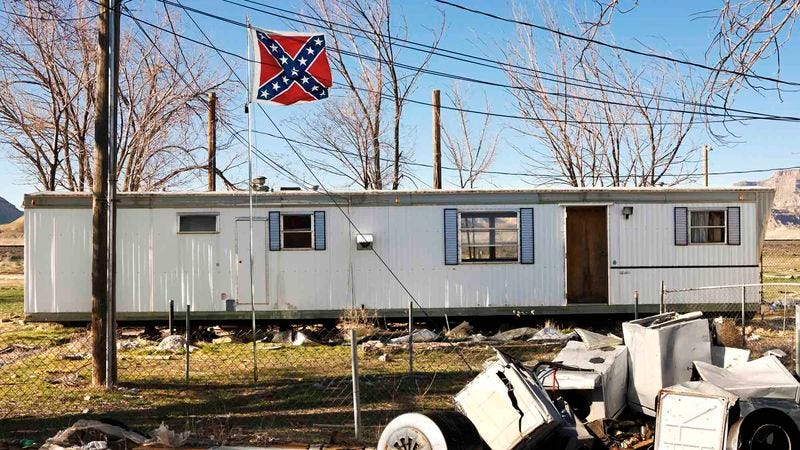 Illustration for article titled South Carolina Refuses To Remove Confederate Flag From Capitol Trailer