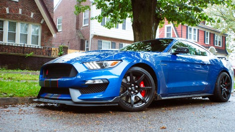 the 2017 shelby gt350 is no ordinary mustang. Black Bedroom Furniture Sets. Home Design Ideas