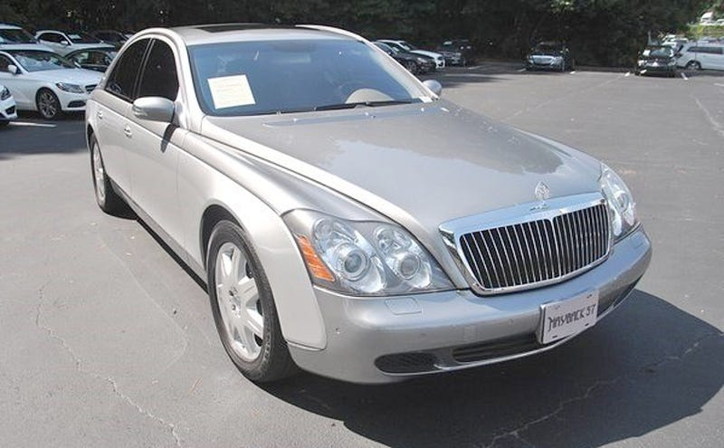 Illustration for article titled For $60,989, Would You Drop Into The Lap of This 2004 Maybach 57's Luxury?