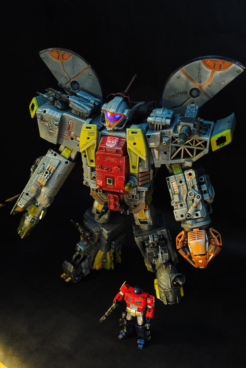 Illustration for article titled This Might Be The Best Transformer Ever
