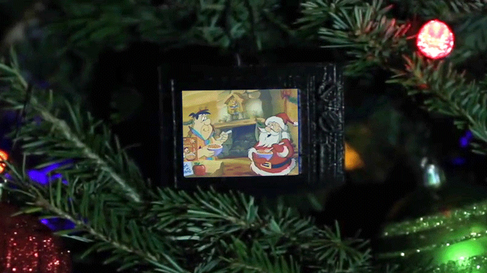 90s Christmas Tree.How To Build A Tiny Tv Ornament That Plays Classic 90s