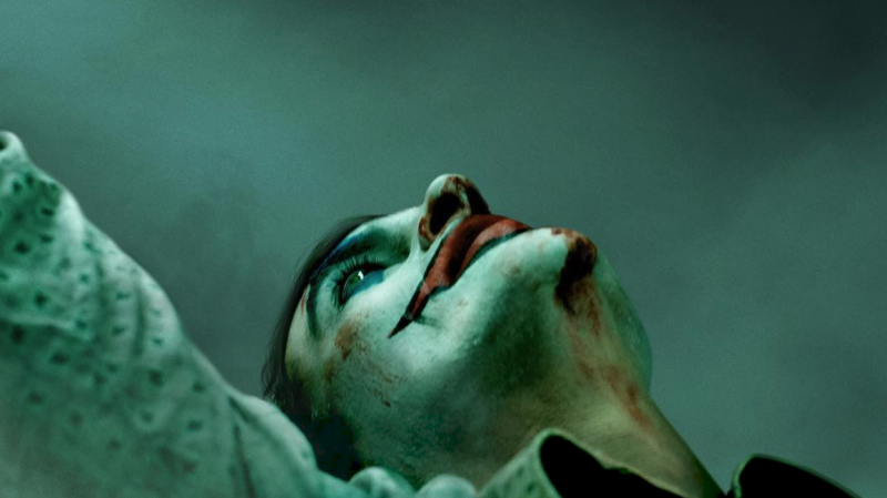 Illustration for article titled Acabamos de ver las primeras escenas de Joaquin Phoenix como el nuevo Joker de DC