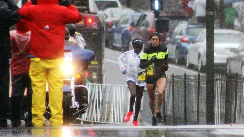 Desi Linden leading the Boston Marathon