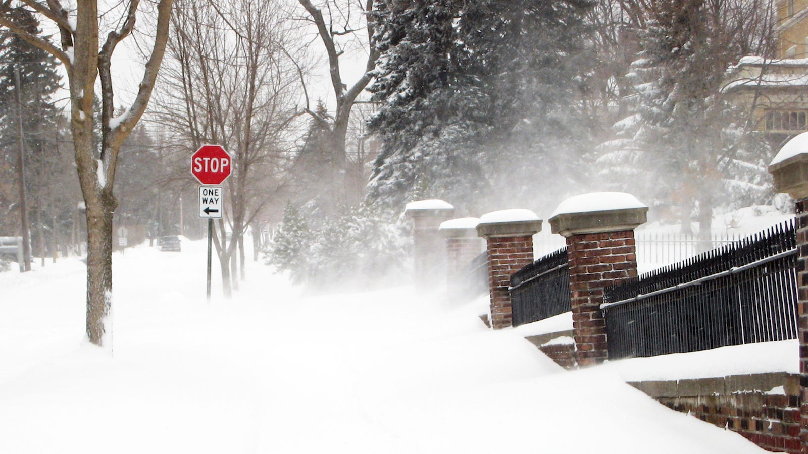 foto Blizzard Preparedness: Food Safety in Extreme Winter Weather