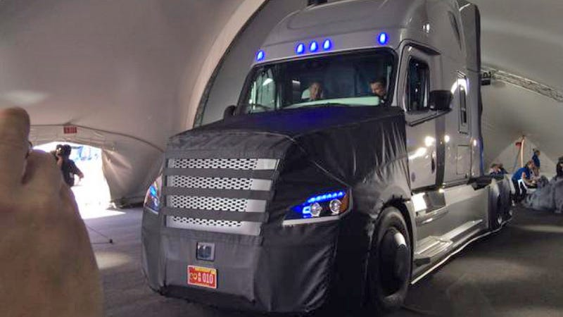 Illustration for article titled Freightliner Just Revealed The First Real Road-Legal Autonomous Big Rig