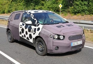 Illustration for article titled 2011 Chevrolet Aveo (Viva) Spied With Decent-Looking Interior