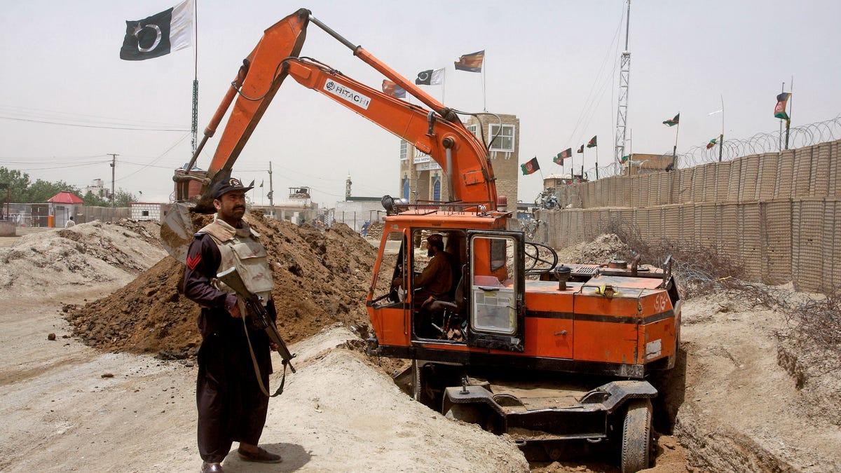 Saudi Arabia Is Building a 600-Mile Wall Along the Iraq Border