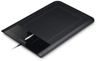 Illustration for article titled New Wacom Bamboo Is First Graphic Tablet with Tactile Multitouch Capability