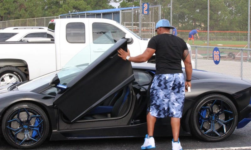 Illustration for article titled Yoenis Cespedes Is Driving A Different Ridiculous Car To Spring Training Every Day This Week