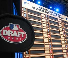 Illustration for article titled Strap In, Folks: The MLB First-Year Player Draft Is Today!