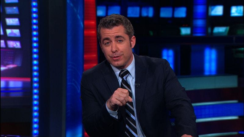 Illustration for article titled UPDATED: Jason Jones is leaving The Daily Show to become a sitcom dad