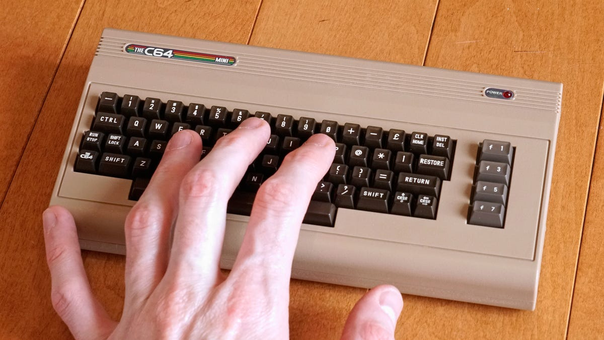 This Tiny Clone Perfectly Recreates the Commodore 64 Gaming Experience