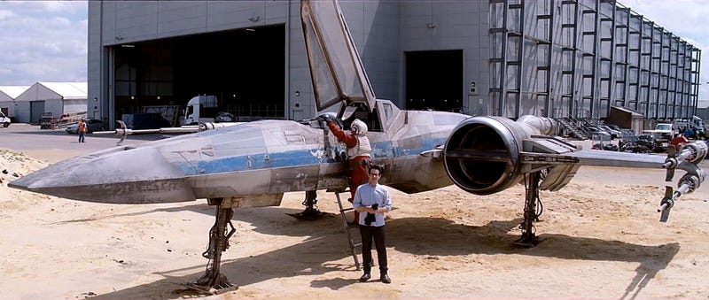 Illustration for article titled Cool new X-Wing Mark II revealed in new Star Wars VII video