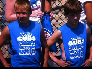 Illustration for article titled This Cubs Shirt Got These Kids Laid