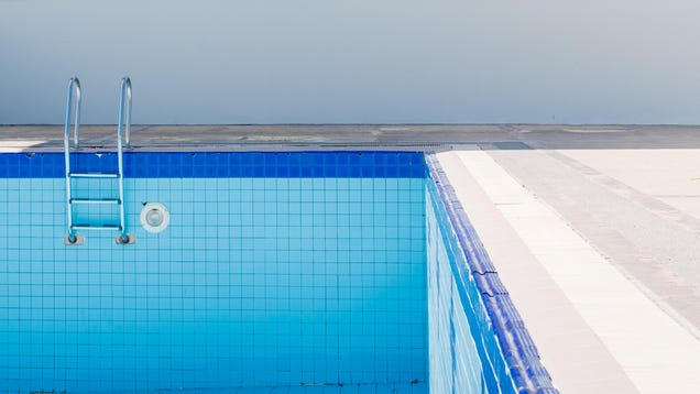 How and When to Drain a Pool