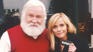Illustration for article titled Naughty Reese Witherspoon Disappoints Santa Claus