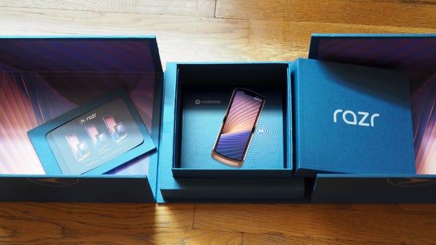 Here s Motorola s Latest Publicity Stunt—I Mean Foldable Phone